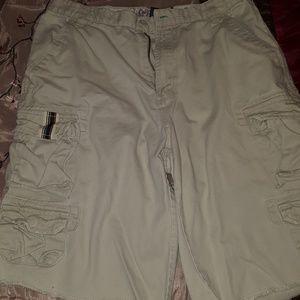 Men's EUC Plugg Co cargo shorts size 32